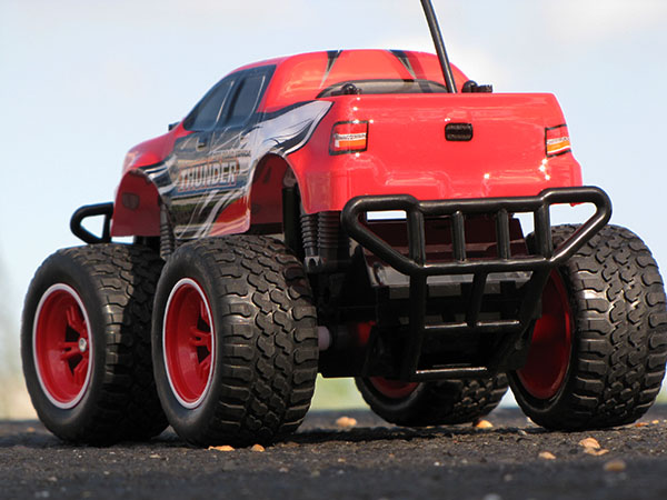 rc ferngesteuertes auto monstertruck truck im super design. Black Bedroom Furniture Sets. Home Design Ideas